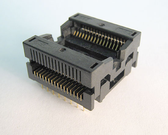 Sensata 652D0322211 open top, 32 pin TSOP Type 2 test socket.